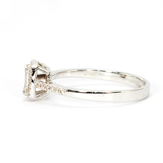 Baguette Hallo diamond ring
