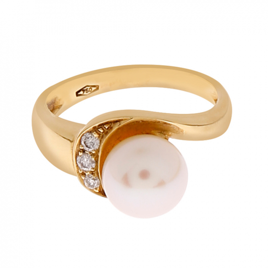 Diamond with Fresh Water Pearl Ring