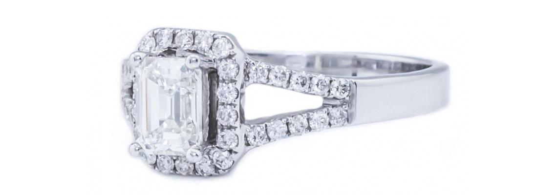Buy stunning Engagement diamond ring through online diamond jewelry