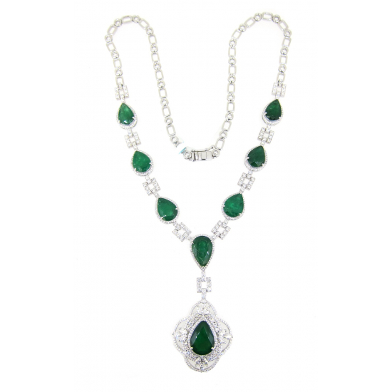 Emerald Luxury Diamond Necklace