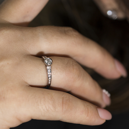 Simplistic diamond ring (B14720)
