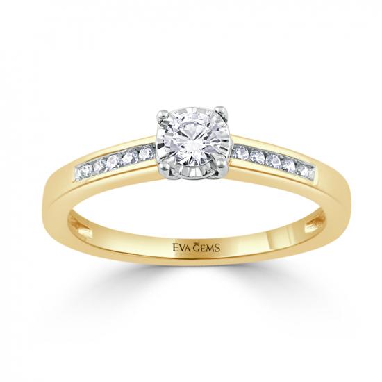 Elegant round cut soliter ring.