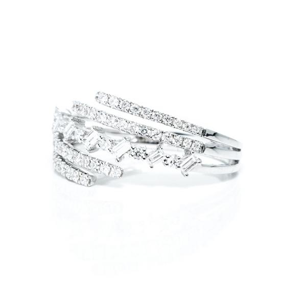 Accelerate Diamond Ring