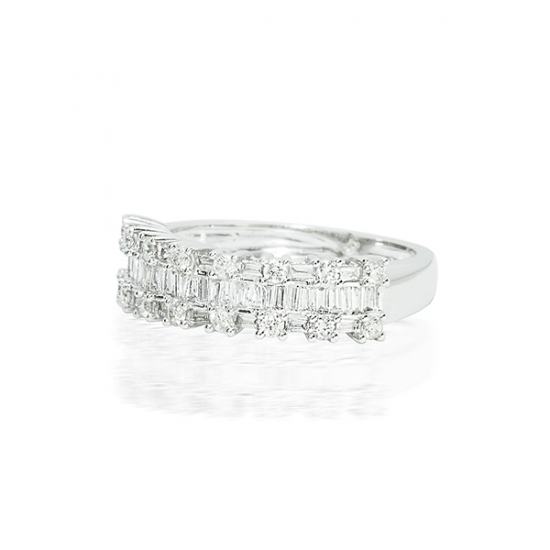 Baguette & Round setting Diamond Ring