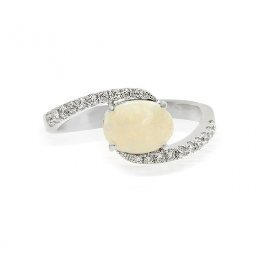 Opal Exclusive Diamond Ring