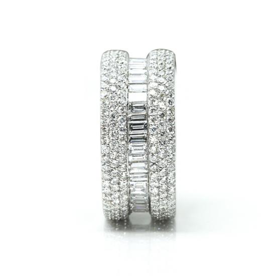 Full eternity baguette diamond ring